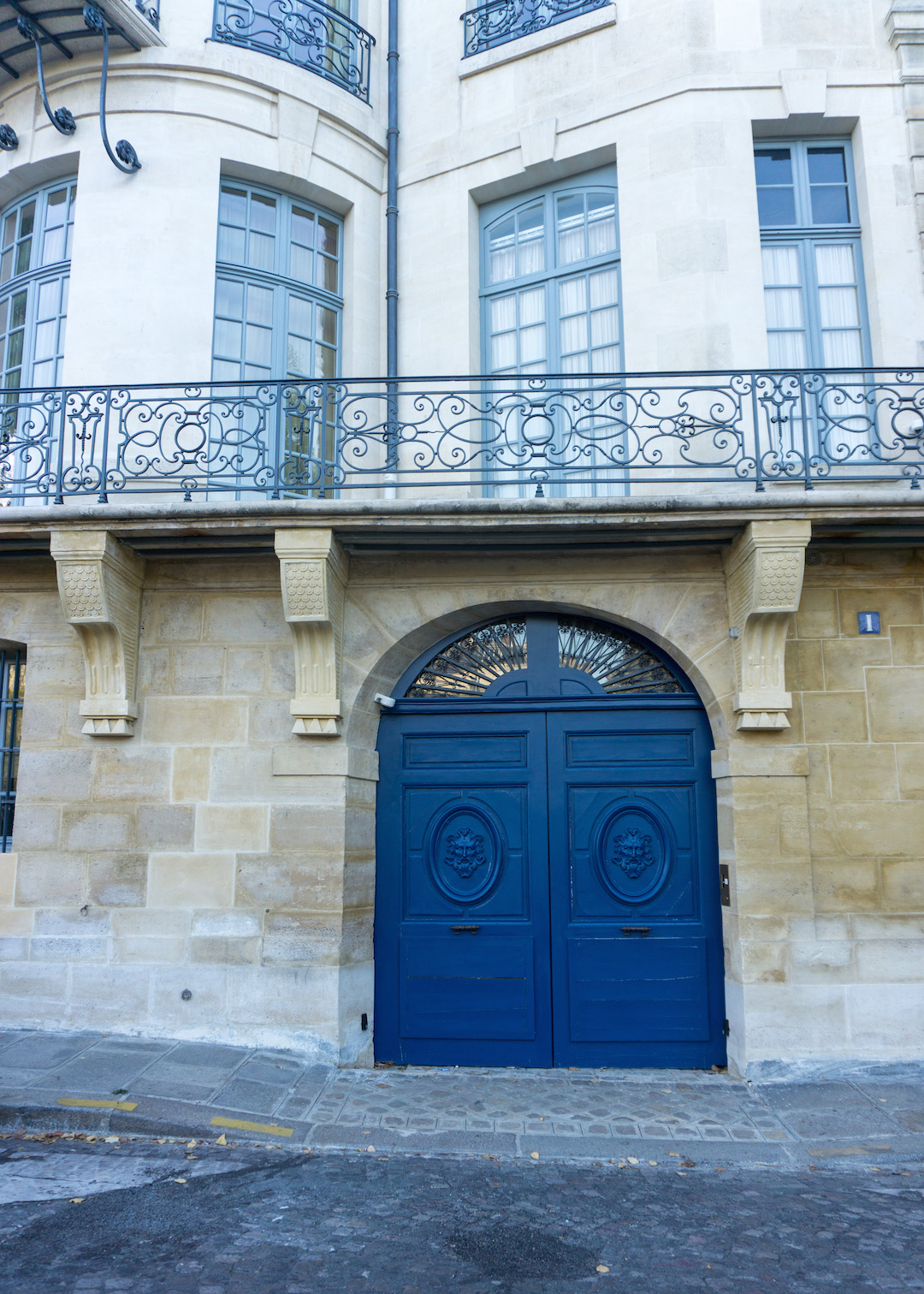 Il Saint-Louis Blue Door