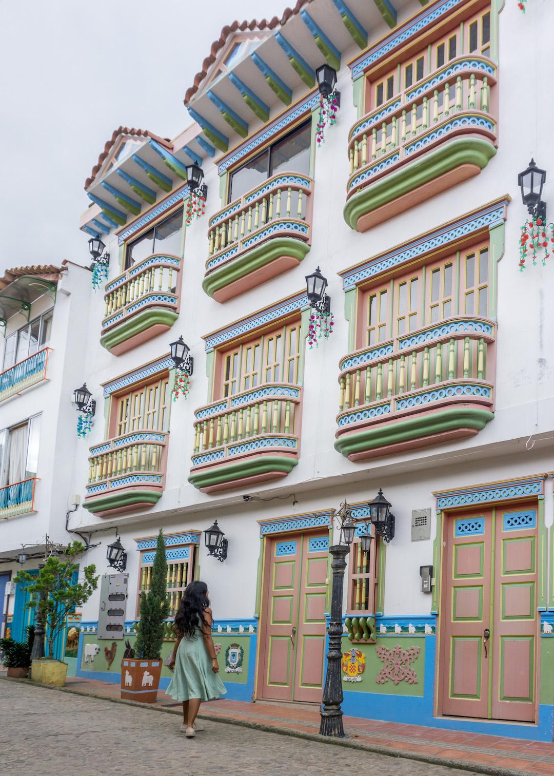 Her_Travel_Edit_Guatape_Balconies