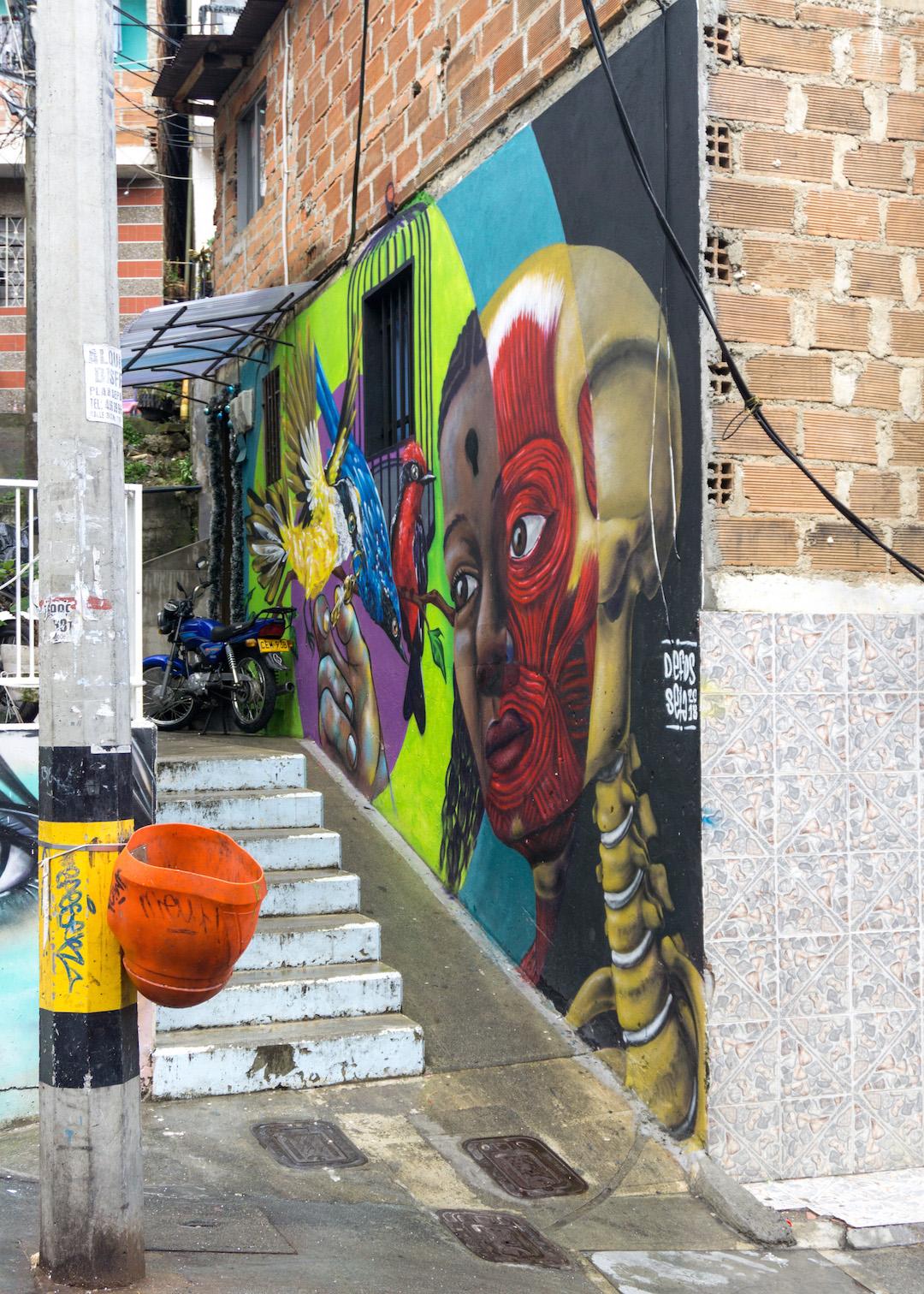 Her_Travel_Edit_Communa_13_Medellin_Street