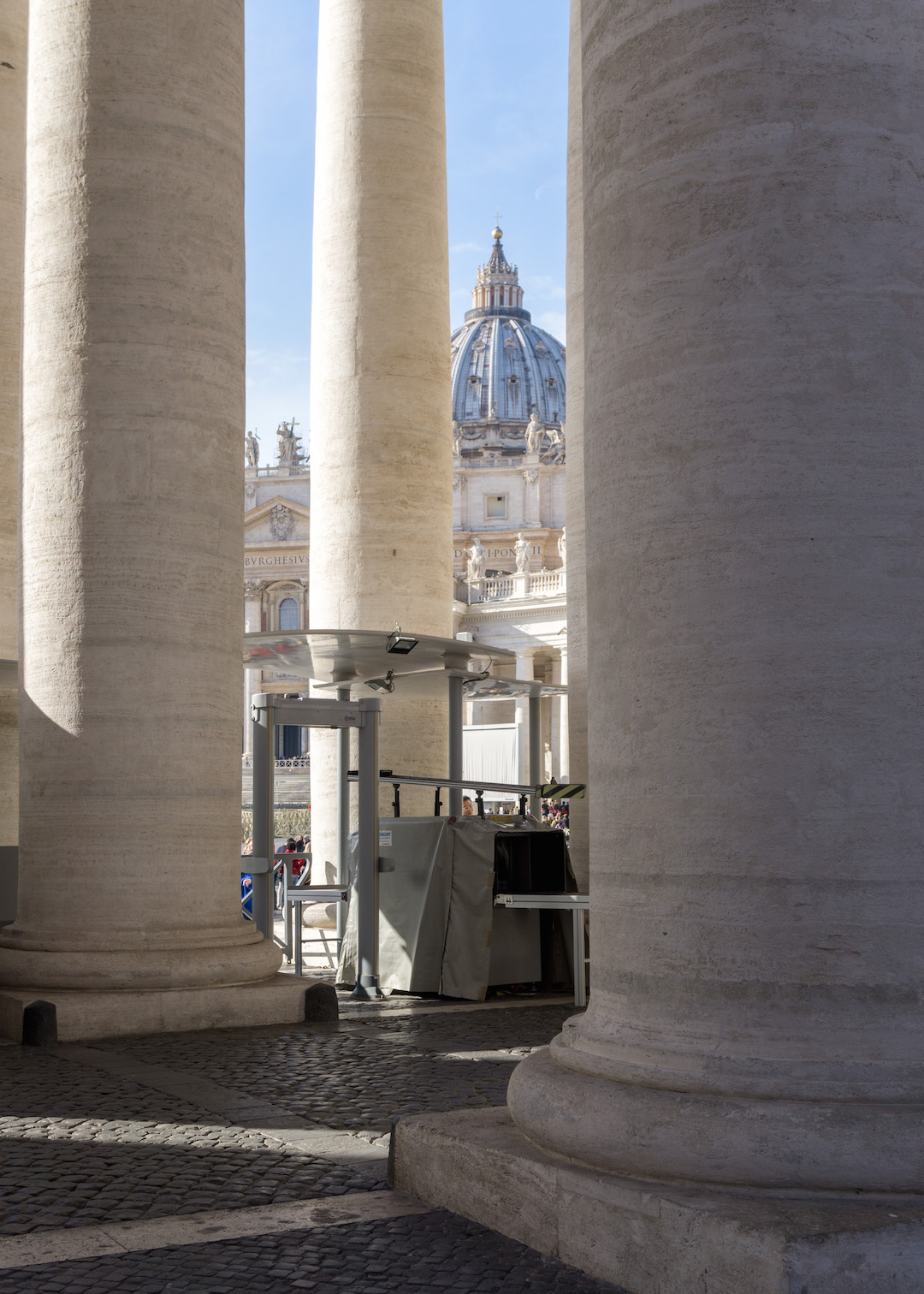Her_Travel_Edit_Rome_St_Peters_through_columns