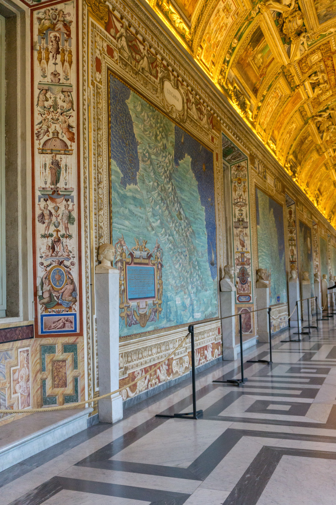 Her_Travel_Edit_Rome_Vatican_Maps_Room
