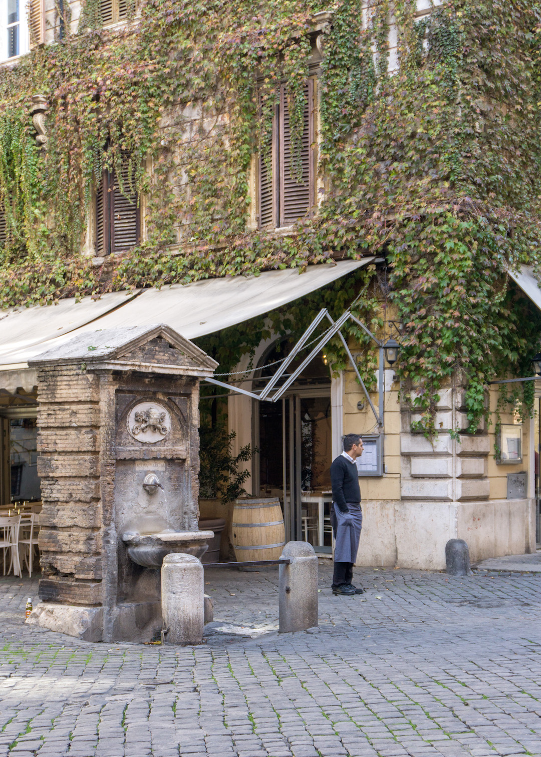 Her_Travel_Edit_Rome_Water_Fountain