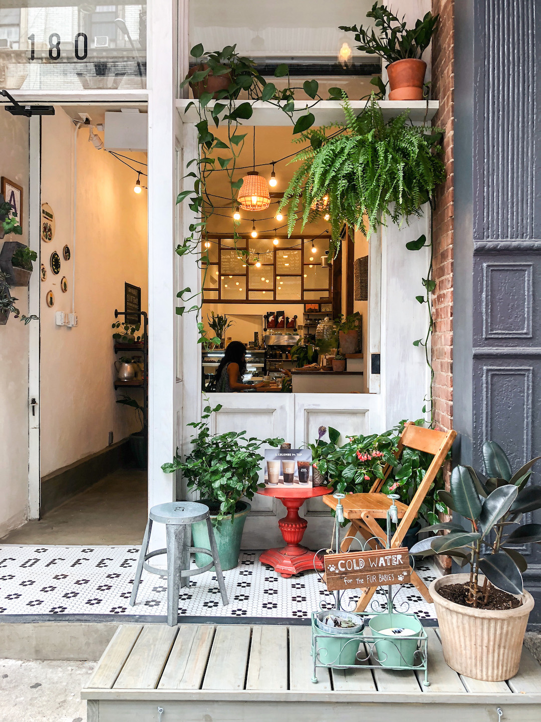 Urban Backyard Coffee Shop in NYC