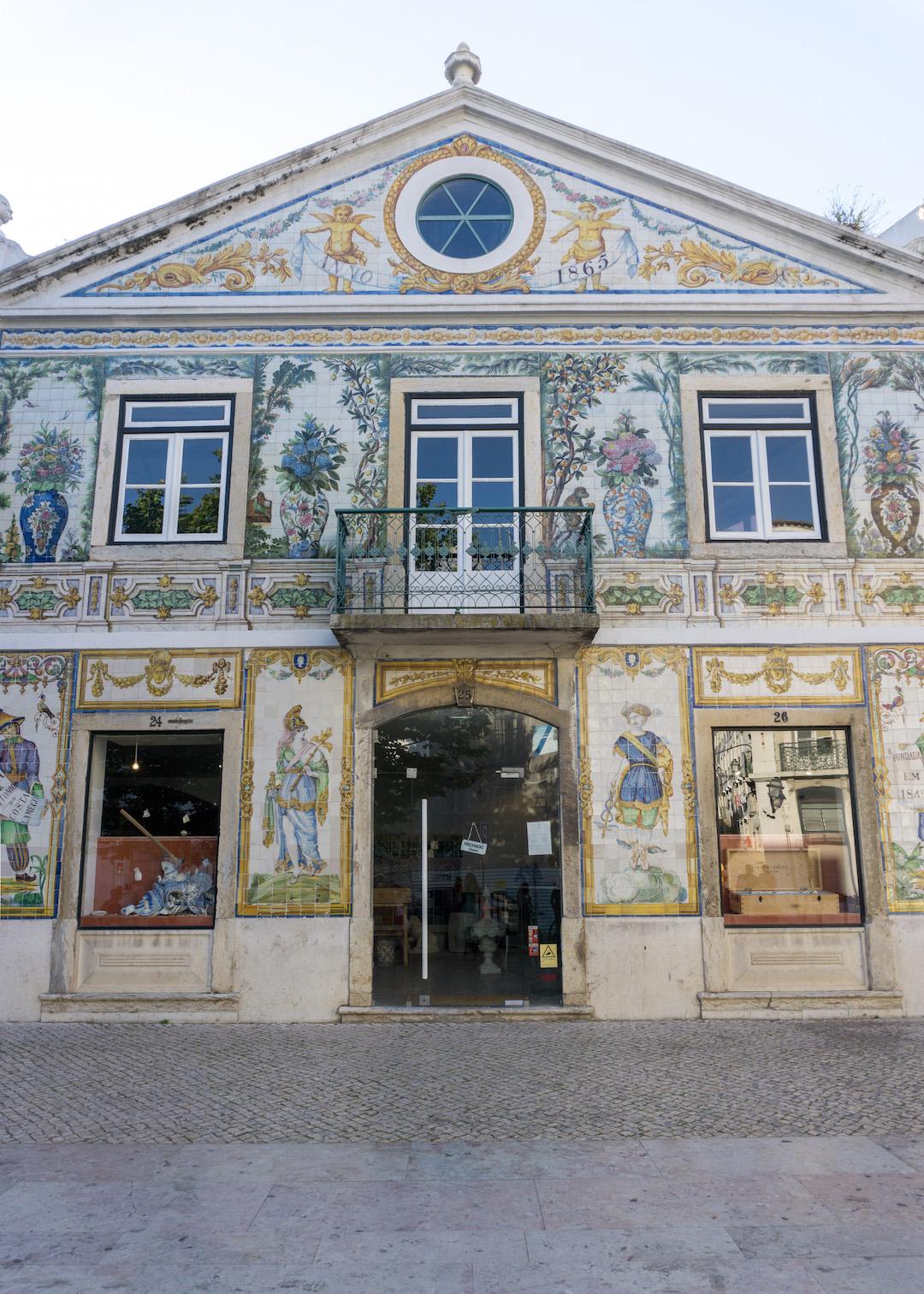 Her_Travel_Edit_Lisbon_Building