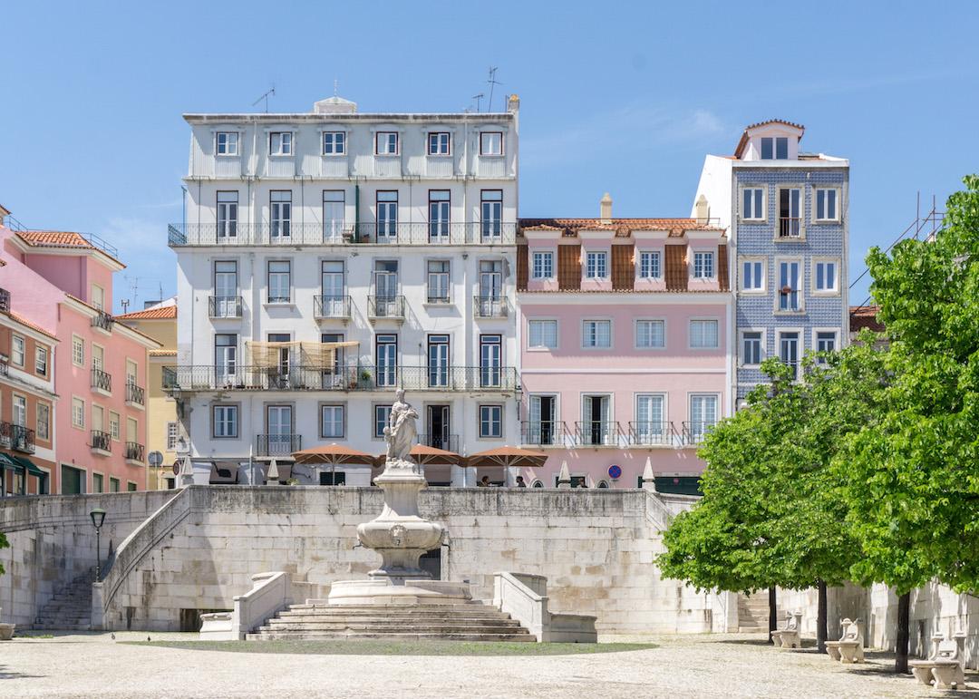 Her_Travel_Edit_Lisbon_Houses