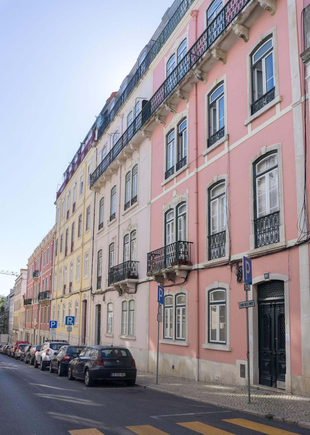 Her_Travel_Edit_Lisbon_Pastel_Houses