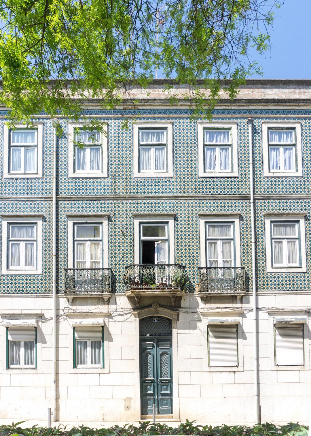 Her_Travel_Edit_Lisbon_Tiles