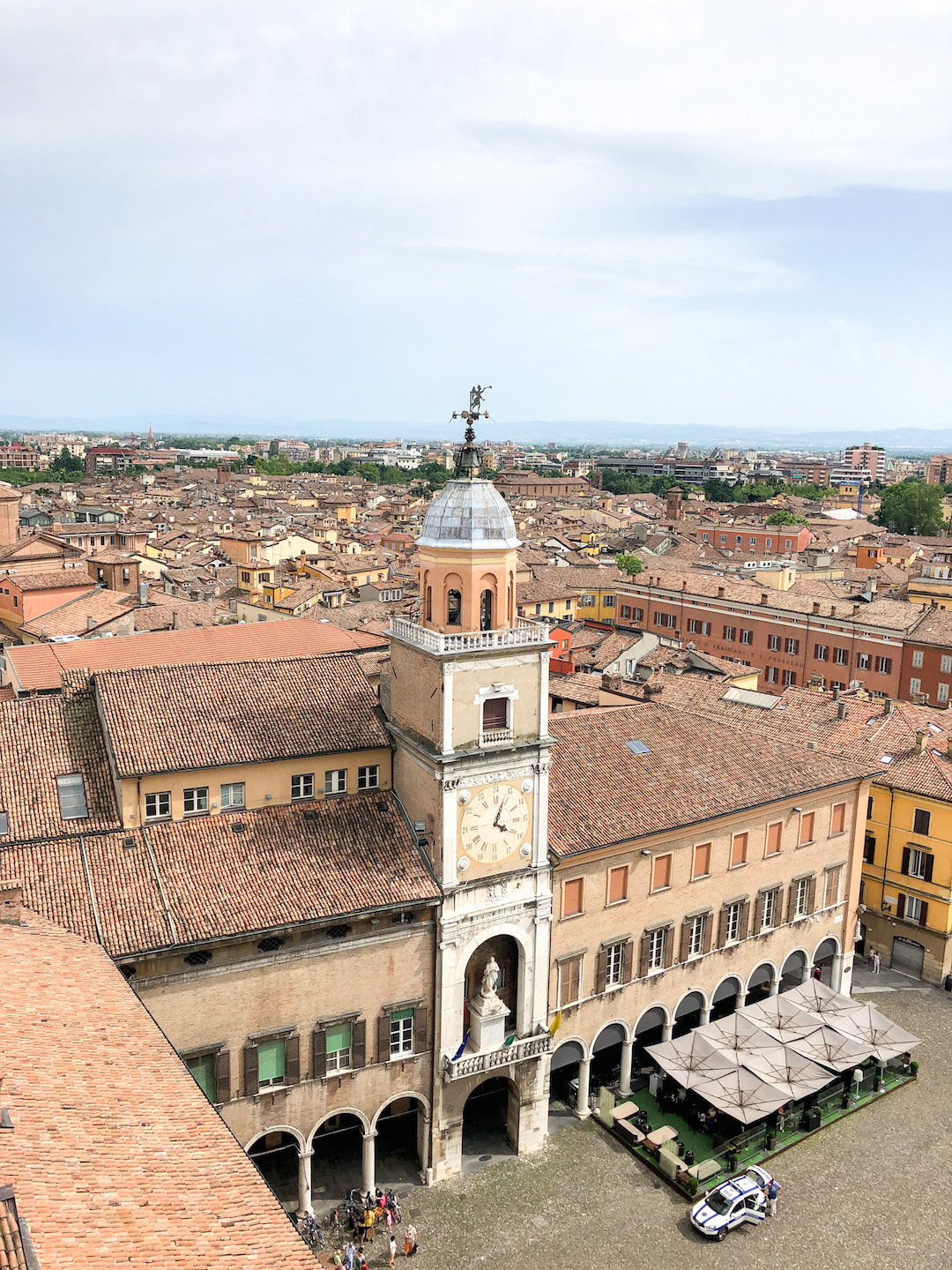 Her_Travel_Edit_Modena_View