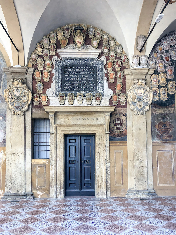 Her_Travel_Edit_Bologna_Archiginnasio