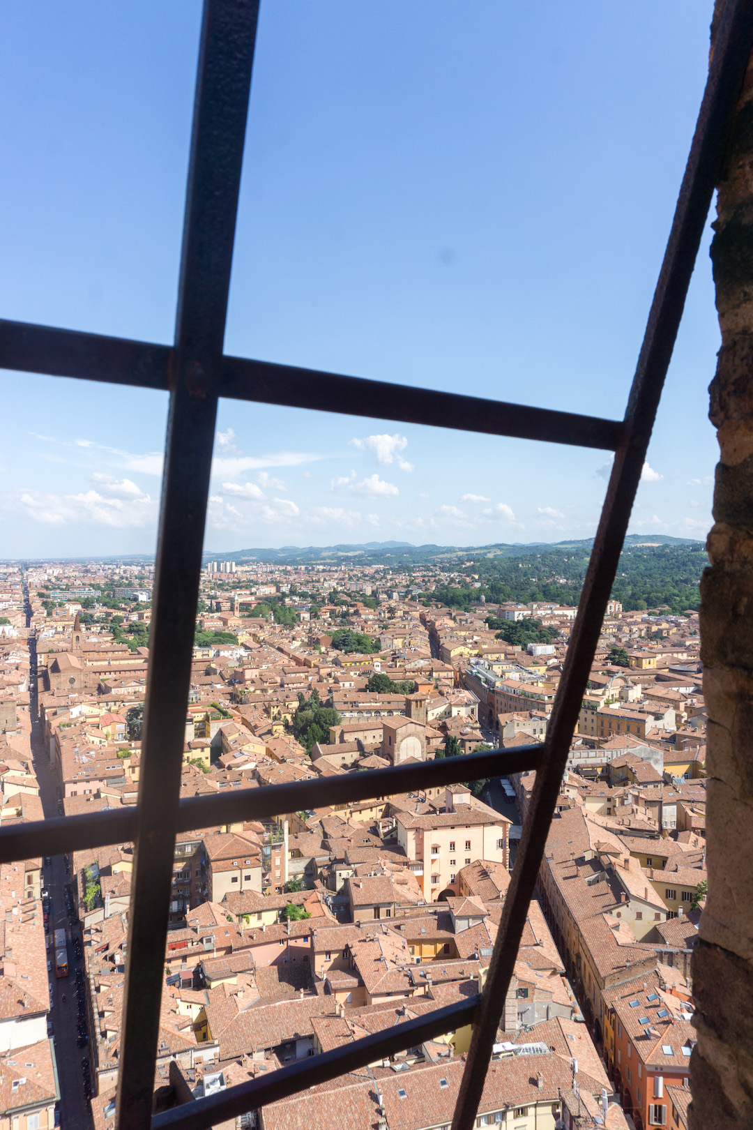 Her_Travel_Edit_Bologna_Asinelli_Tower_View