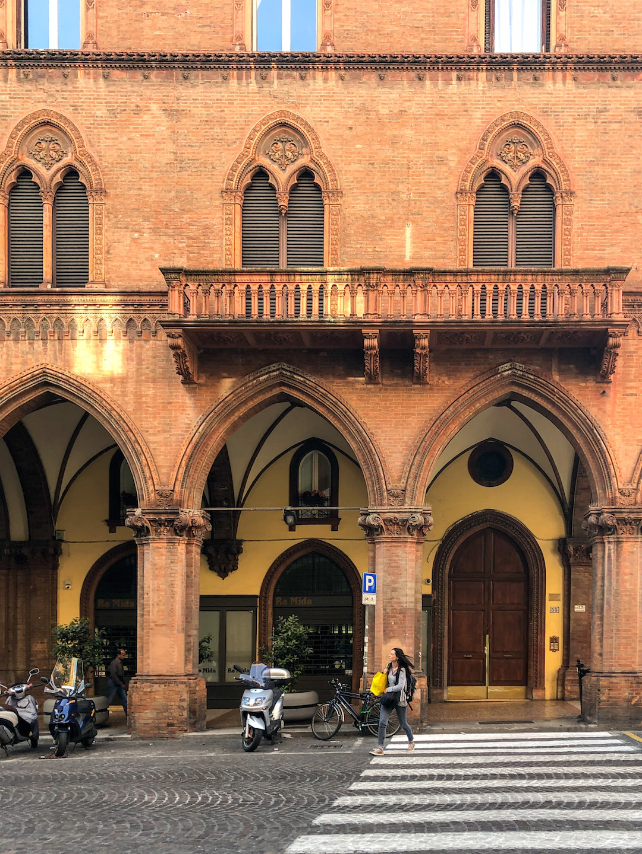 Her_Travel_Edit_Bologna_La_Rossa