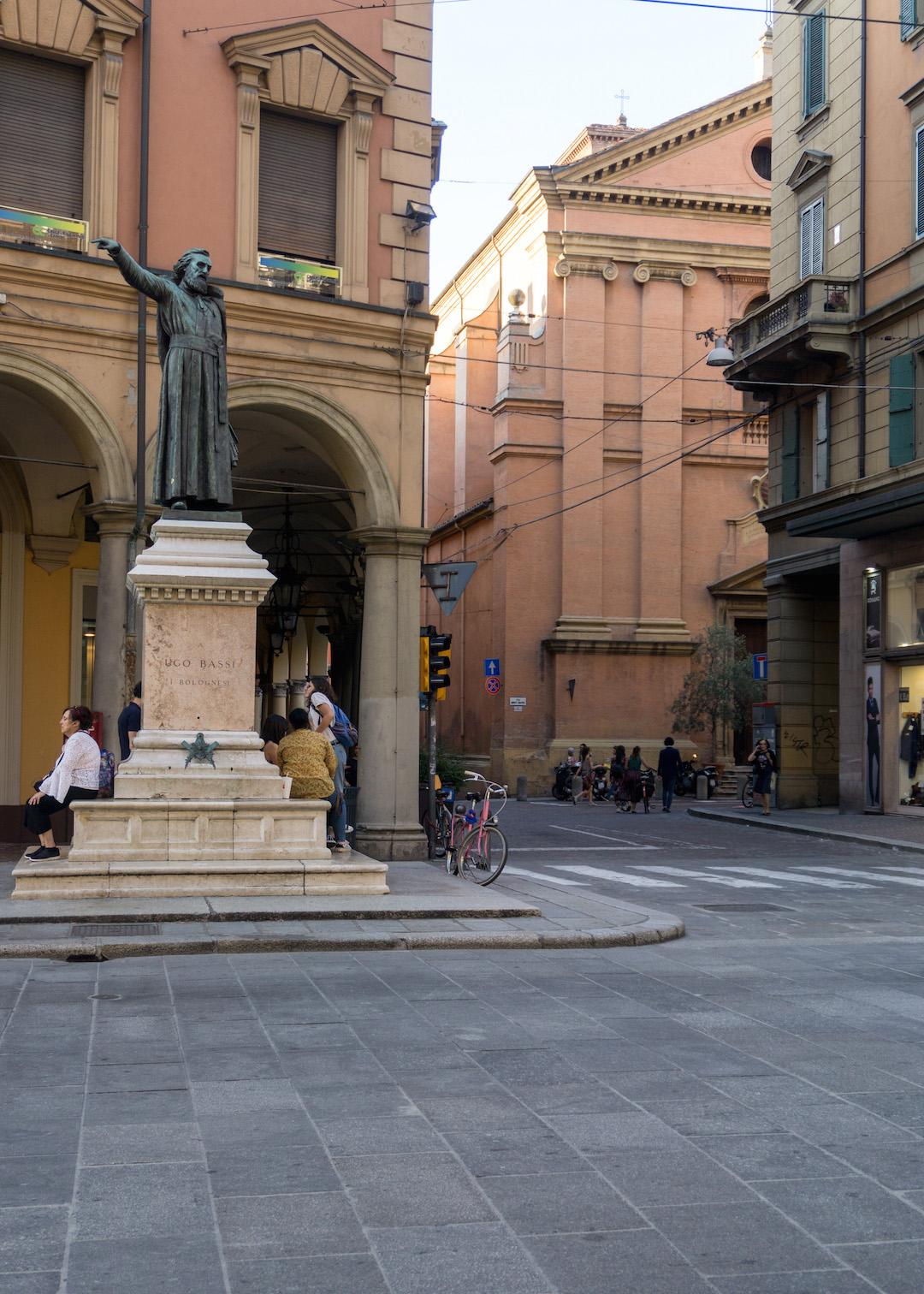 Her_Travel_Edit_Bologna_Ugo_Bassi_Statue