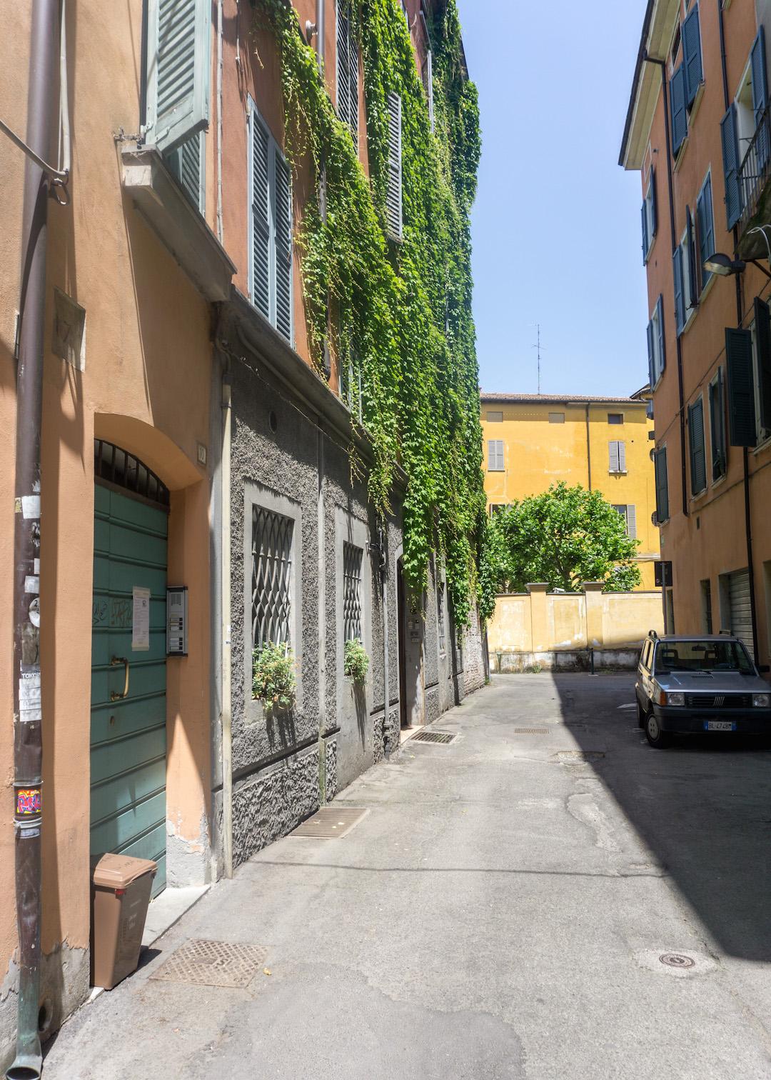 Her_Travel_Edit_Reggio_Emilia_Streets