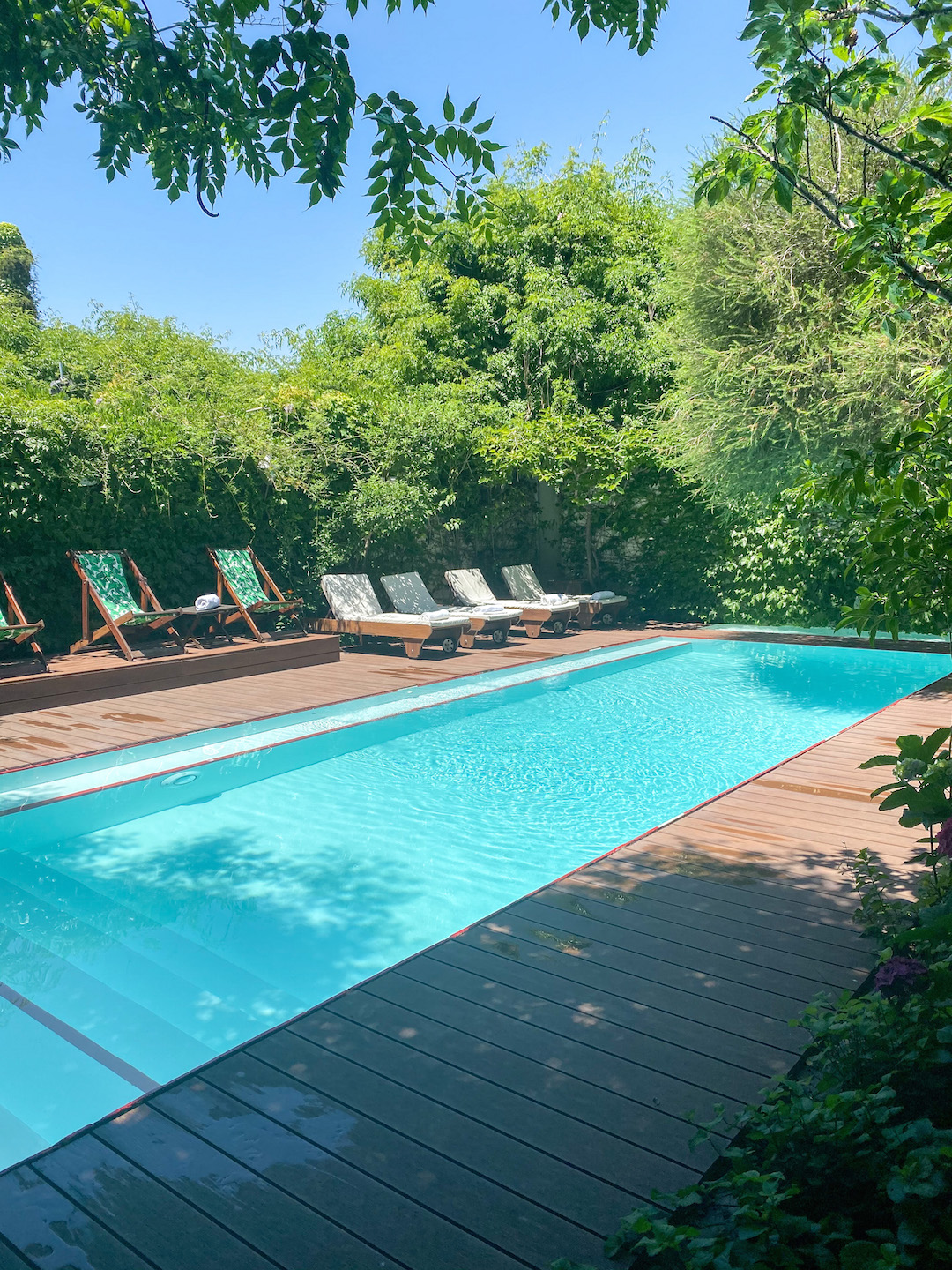Her_Travel_Edit_Home_Hotel_Pool