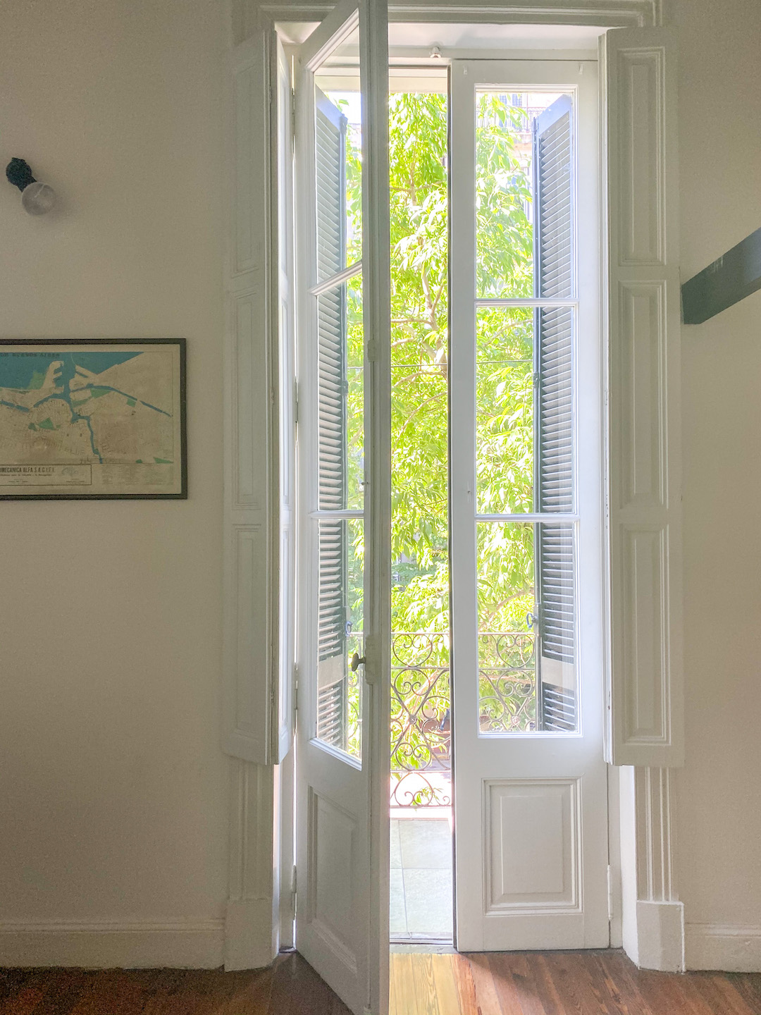 Her_Travel_Edit_San_Telmo_Airbnb_French_Window