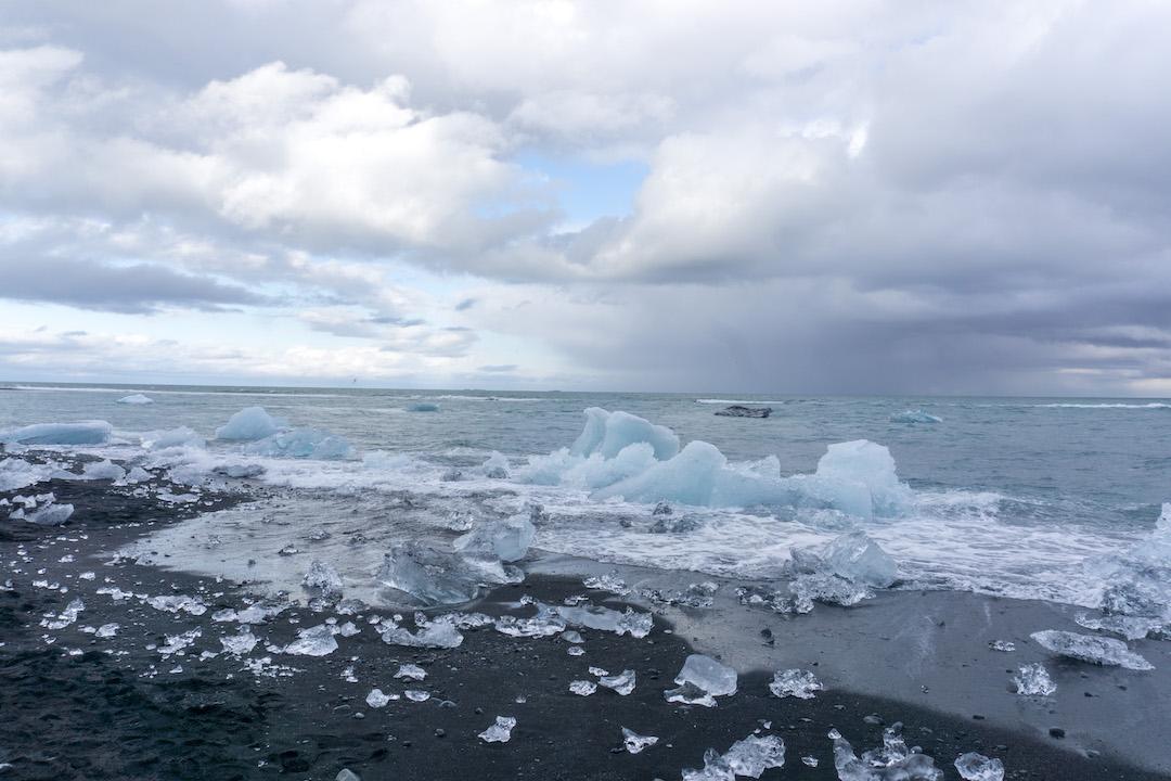 Diamond_Beach_in_Iceland_Her_Travel_Edit