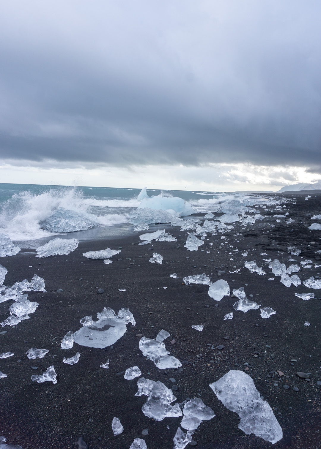 Her_Travel_Edit_Diamond_Beach_Iceland