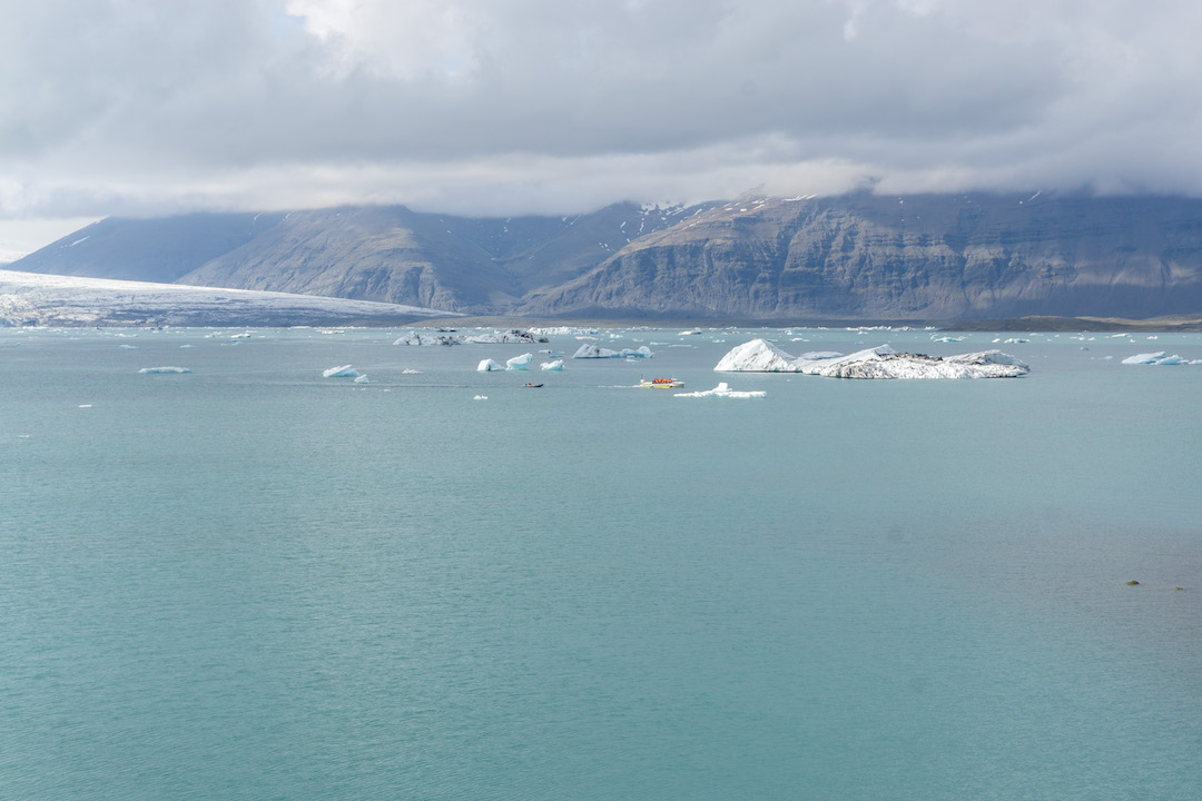Her_Travel_Edit_Iceland_Jokulsarlon_Glacier_Ship