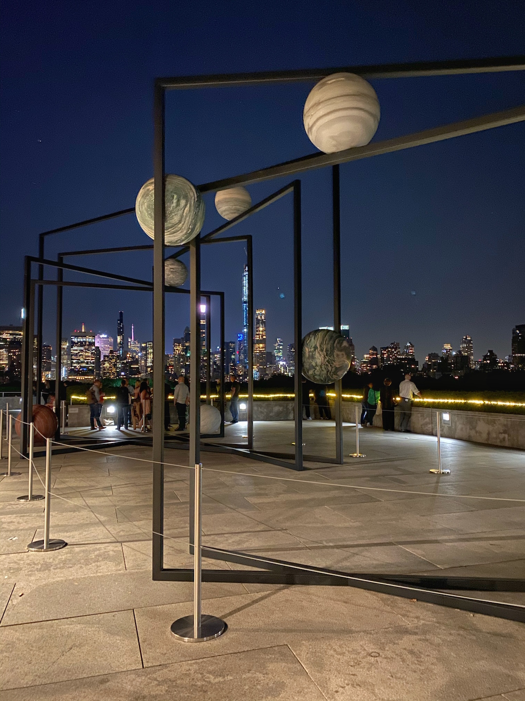 Her_Travel_Edit_Rooftop_at_the_Met