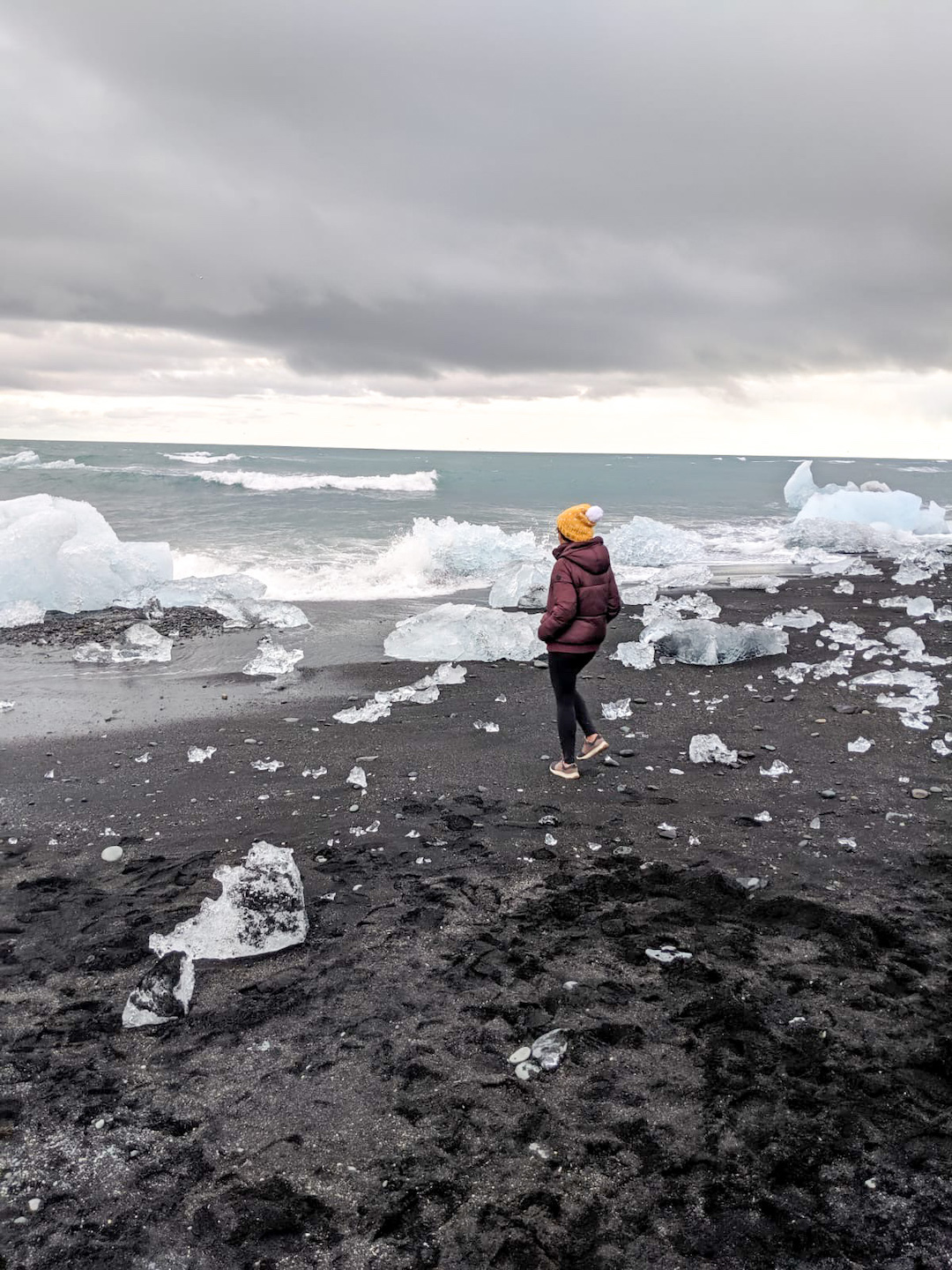Her_Travel_Edit_at_Diamond_Beach_in_Iceland